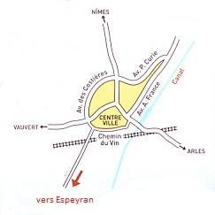 Vers Chateau d'Espeyran