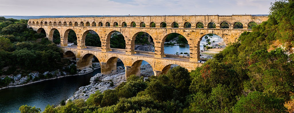 Pont_du_Gard_BLS